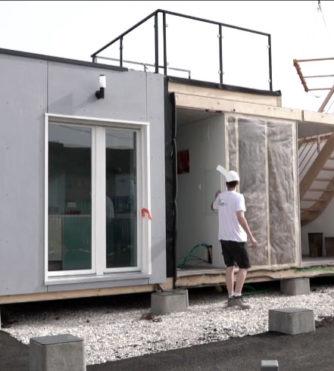 Montage mini maison bois Hop House